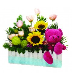 "Crazy In Love. 6"" Bear & Flower Basket"