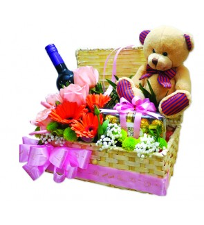 Flower Box with wine, chocolate & bear