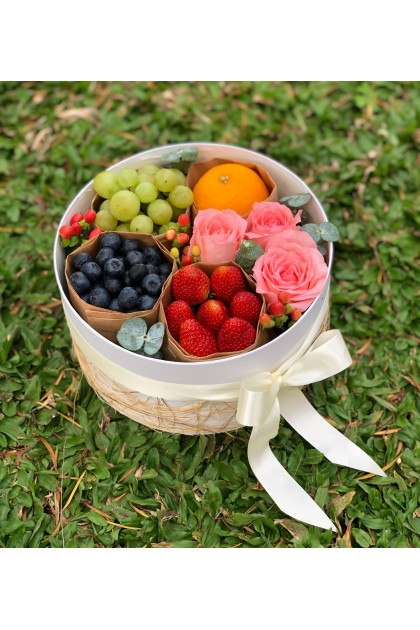 Fraser Berries and Flowers Box
